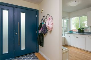 """Photo 9: 4784 LAURELWOOD Place in Burnaby: Greentree Village Townhouse for sale in """"GREENTREE VILLAGE"""" (Burnaby South)  : MLS®# R2375023"""