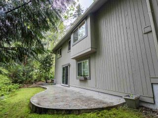"""Photo 15: 9502 WILLOWLEAF Place in Burnaby: Forest Hills BN Townhouse for sale in """"Willowleaf"""" (Burnaby North)  : MLS®# R2588078"""