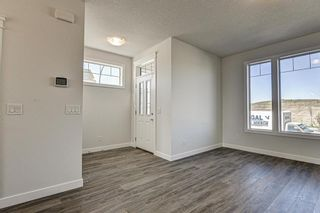 Photo 12: 136 Creekside Drive SW in Calgary: C-168 Semi Detached for sale : MLS®# A1108851