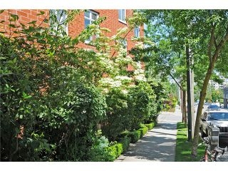 """Photo 10: 2325 ASH Street in Vancouver: Fairview VW Townhouse for sale in """"OMEGA CITIHOMES"""" (Vancouver West)  : MLS®# V846848"""