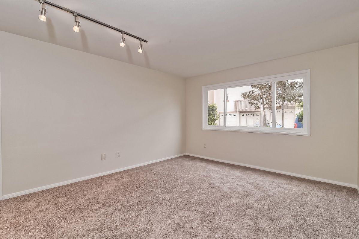 Photo 5: Photos: CLAIREMONT Condo for sale : 3 bedrooms : 5513 Caminito Roberto in San Diego