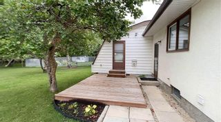 Photo 4: 730 Community Row in Winnipeg: Charleswood Residential for sale (1G)  : MLS®# 202110992