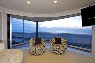 Photo 8: House for sale : 8 bedrooms : 3675 Ocean Front Walk in San Diego
