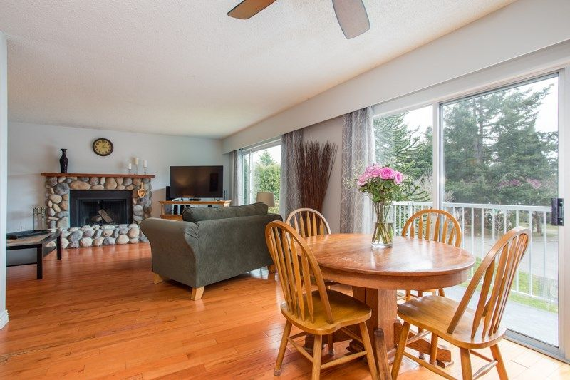 Photo 4: Photos: 1559 134A Street in Surrey: Crescent Bch Ocean Pk. House for sale (South Surrey White Rock)  : MLS®# R2538712