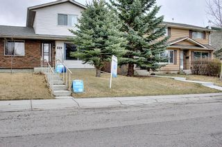 Photo 4: 329 Woodvale Crescent SW in Calgary: Woodlands Semi Detached for sale : MLS®# A1093334