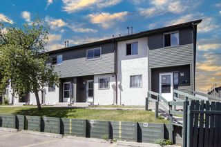 Photo 1: 84 2511 38 Street NE in Calgary: Rundle Row/Townhouse for sale : MLS®# A1115579