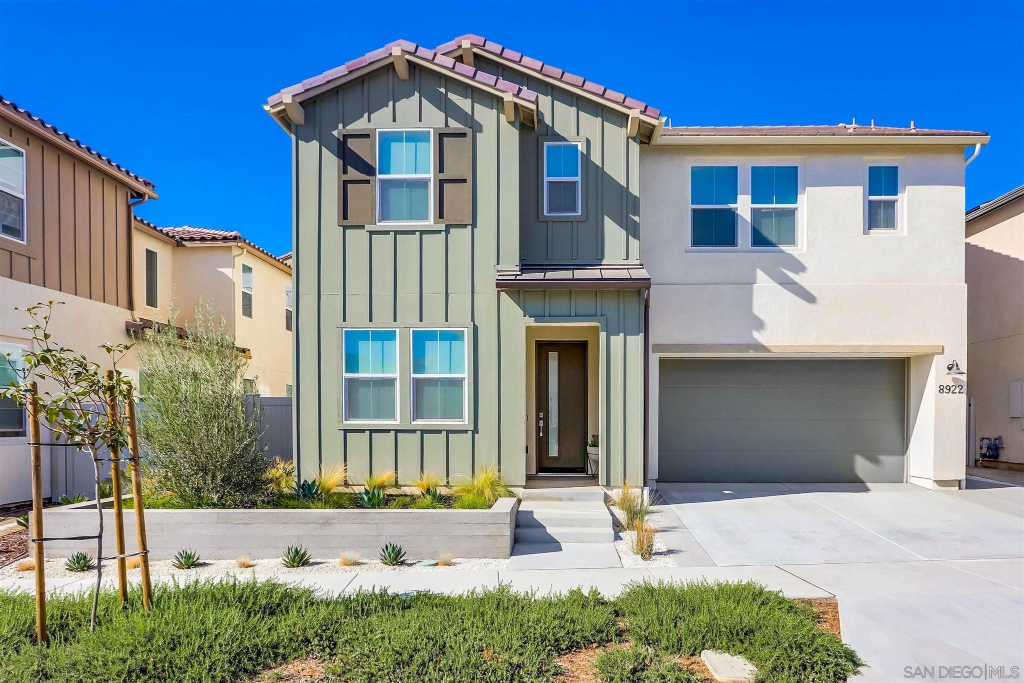 Main Photo: SANTEE House for sale : 4 bedrooms : 8922 Trailridge Ave