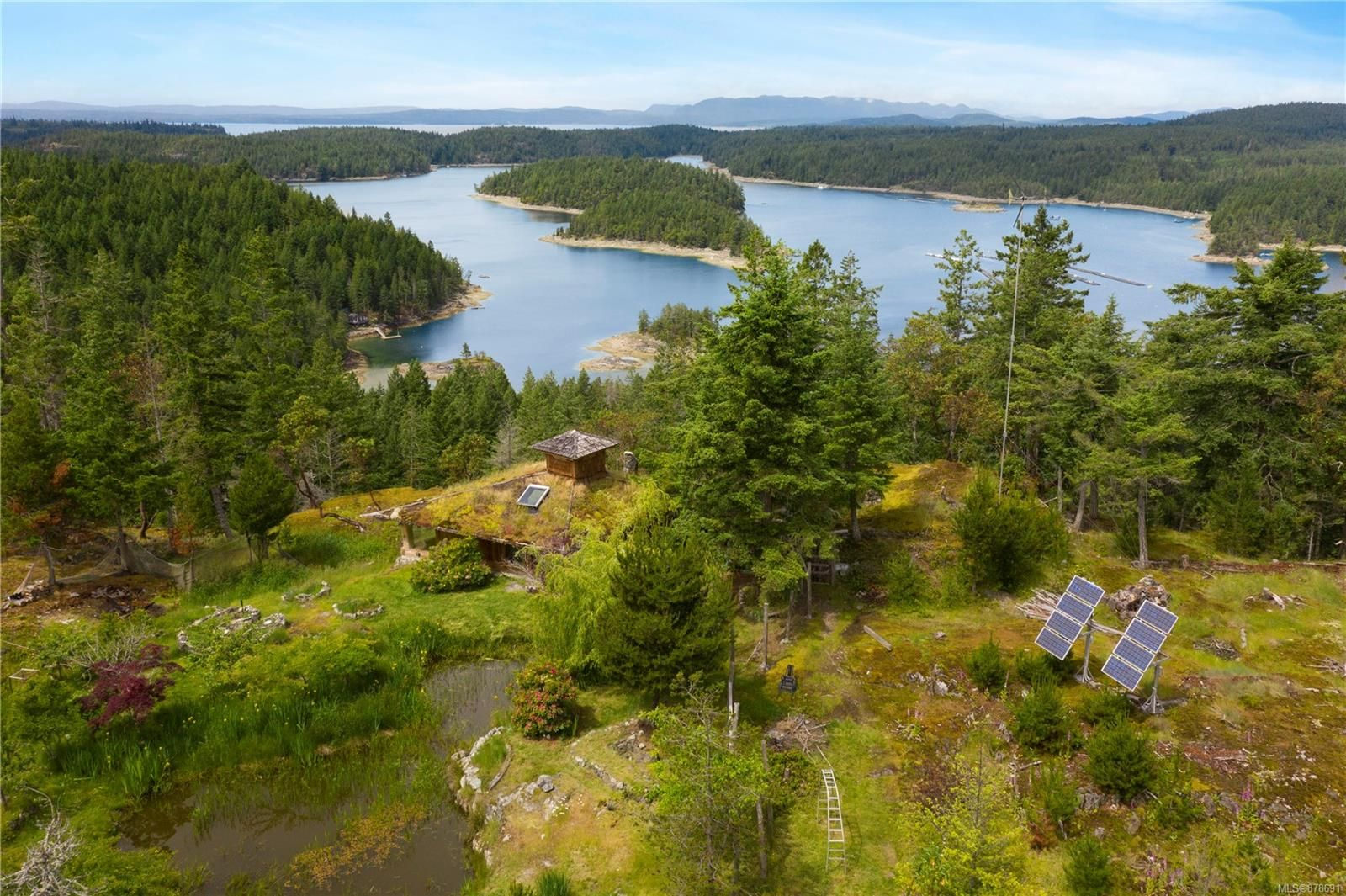 Main Photo: 979 Thunder Rd in Cortes Island: Isl Cortes Island House for sale (Islands)  : MLS®# 878691