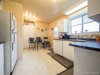 Photo 6: 2342 Orchard Ave in SIDNEY: Si Sidney South-East House for sale (Sidney)  : MLS®# 691444