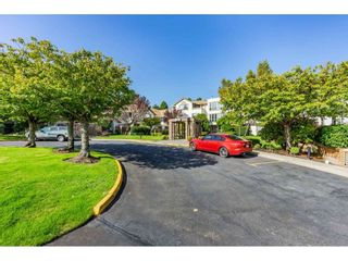 """Photo 2: 404 15991 THRIFT Avenue: White Rock Condo for sale in """"Arcadian"""" (South Surrey White Rock)  : MLS®# R2505774"""