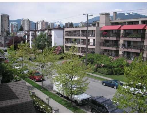 "Main Photo: 415 333 E 1ST Street in North_Vancouver: Lower Lonsdale Condo for sale in ""VISTA WEST"" (North Vancouver)  : MLS®# V766349"
