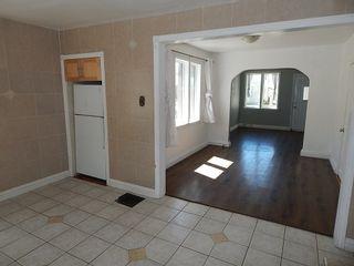 Photo 4: 981 Selkirk Avenue in Winnipeg: House for sale : MLS®# 1813192