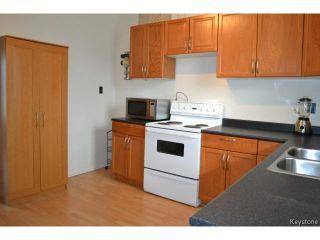 Photo 6: 415 Brooklyn Street in WINNIPEG: St James Residential for sale (West Winnipeg)  : MLS®# 1505642