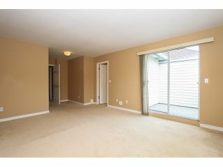 "Photo 13: 125 9978 151 Street in Surrey: Guildford Townhouse for sale in ""Sussex House"" (North Surrey)  : MLS®# F1414106"