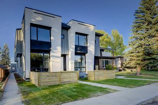 Photo 2: 2, 1418  19 Avenue NW in Calgary: Capitol Hill Row/Townhouse for sale : MLS®# A1057731