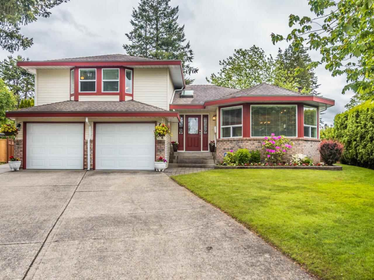 """Main Photo: 3394 198A Street in Langley: Brookswood Langley House for sale in """"Meadowbrook"""" : MLS®# R2586266"""