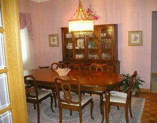 Photo 3: 201 160 NIAKWA RD in Winnipeg: A18 Condominium for sale (W2)  : MLS®# 2617418