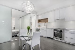 """Photo 8: 266 E 2ND Avenue in Vancouver: Mount Pleasant VE Townhouse for sale in """"Jacobsen"""" (Vancouver East)  : MLS®# R2212313"""