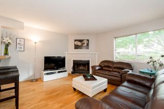"""Photo 3: 202 1665 ARBUTUS Street in Vancouver: Kitsilano Condo for sale in """"THE BEACHES"""" (Vancouver West)  : MLS®# R2094713"""
