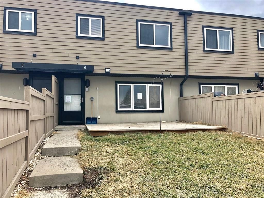 Main Photo: 6 3809 45 Street SW in Calgary: Glenbrook Row/Townhouse for sale : MLS®# C4243277