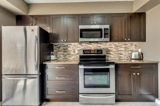 """Photo 7: 431 CARDIFF Way in Port Moody: College Park PM Townhouse for sale in """"EASTHILL"""" : MLS®# R2111339"""