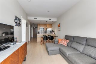 "Photo 9: 703 38 W 1ST Avenue in Vancouver: False Creek Condo for sale in ""THE ONE BY PINNACLE"" (Vancouver West)  : MLS®# R2091565"