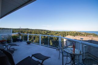 Photo 2: 3210 Point Pl in : Na Departure Bay Row/Townhouse for sale (Nanaimo)  : MLS®# 880126