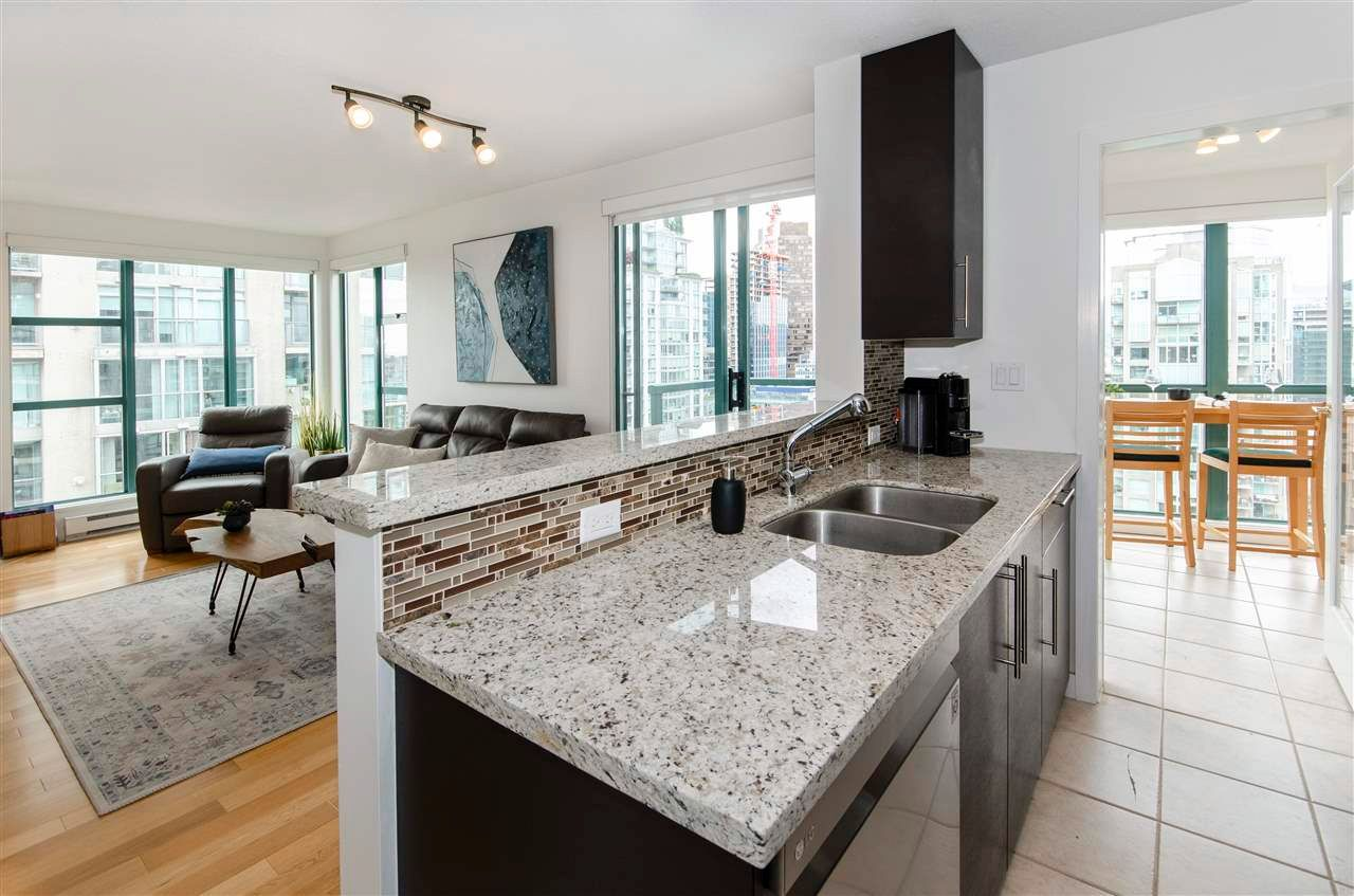 """Main Photo: 3102 939 HOMER Street in Vancouver: Yaletown Condo for sale in """"THE PINNACLE"""" (Vancouver West)  : MLS®# R2592462"""
