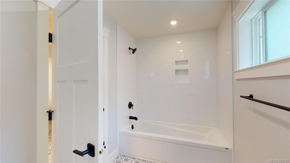 Photo 32: Photos: 2504 West Trail Crt in Sooke: Sk Broomhill House for sale : MLS®# 844745