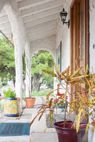 Photo 4: LA MESA House for sale : 4 bedrooms : 9541 Tropico Dr.