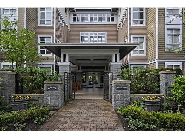 """Main Photo: 303 6279 EAGLES Drive in Vancouver: University VW Condo for sale in """"REFLECTIONS"""" (Vancouver West)  : MLS®# V1061772"""