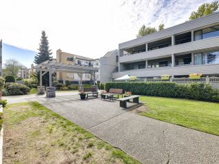 """Photo 22: 205 15272 19 Avenue in Surrey: King George Corridor Condo for sale in """"PARKVIEW PLACE"""" (South Surrey White Rock)  : MLS®# R2620365"""