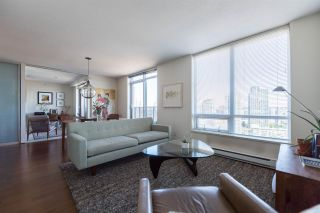 """Photo 1: 1703 1055 HOMER Street in Vancouver: Yaletown Condo for sale in """"DOMUS"""" (Vancouver West)  : MLS®# R2186785"""