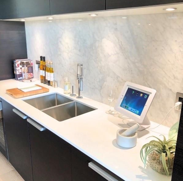Photo 13: Photos: 607 738 1 Avenue SW in Calgary: Eau Claire Apartment for sale : MLS®# C4272230