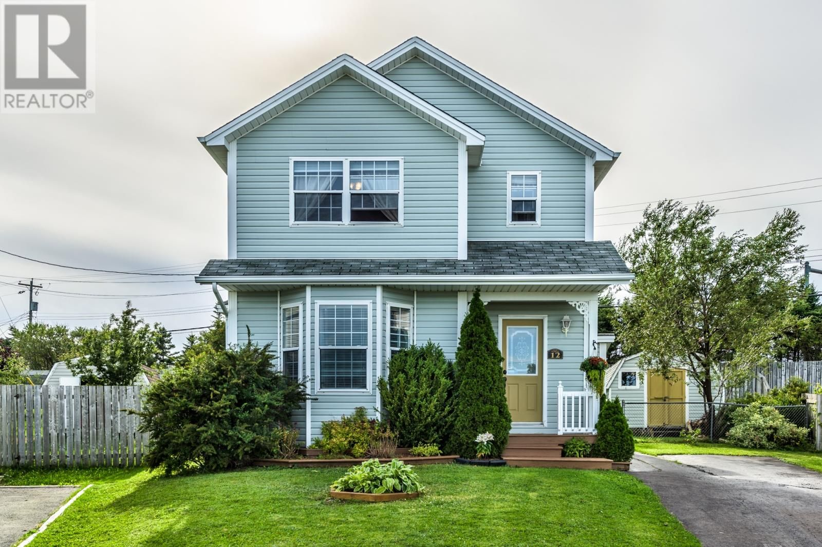 Main Photo: 12 Bettney Place in Mount Pearl: House for sale : MLS®# 1231380