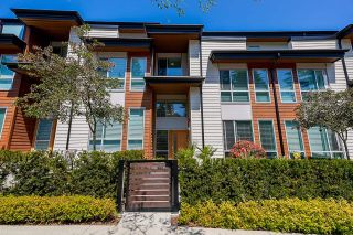 """Photo 2: 3 15775 MOUNTAIN VIEW Drive in Surrey: Grandview Surrey Townhouse for sale in """"GRANDVIEW AT SOUTHRIDGE CLUB"""" (South Surrey White Rock)  : MLS®# R2602711"""
