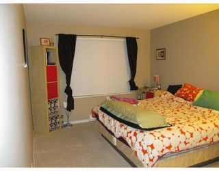 Photo 6: 311 600 KLAHANIE Drive in Port Moody: Port Moody Centre Condo for sale : MLS®# V805464