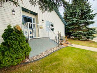 Photo 2: 131 Parkside Drive: Wetaskiwin House Half Duplex for sale : MLS®# E4253062