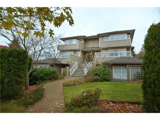 Main Photo: 416 W KEITH Road in North Vancouver: Central Lonsdale 1/2 Duplex for sale : MLS®# V921744