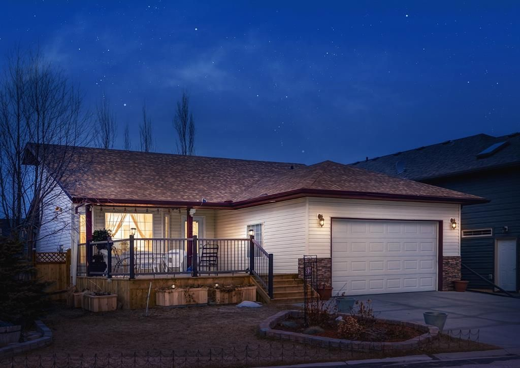 Main Photo: 902 900 CARRIAGE LANE Place: Carstairs Detached for sale : MLS®# A1080040