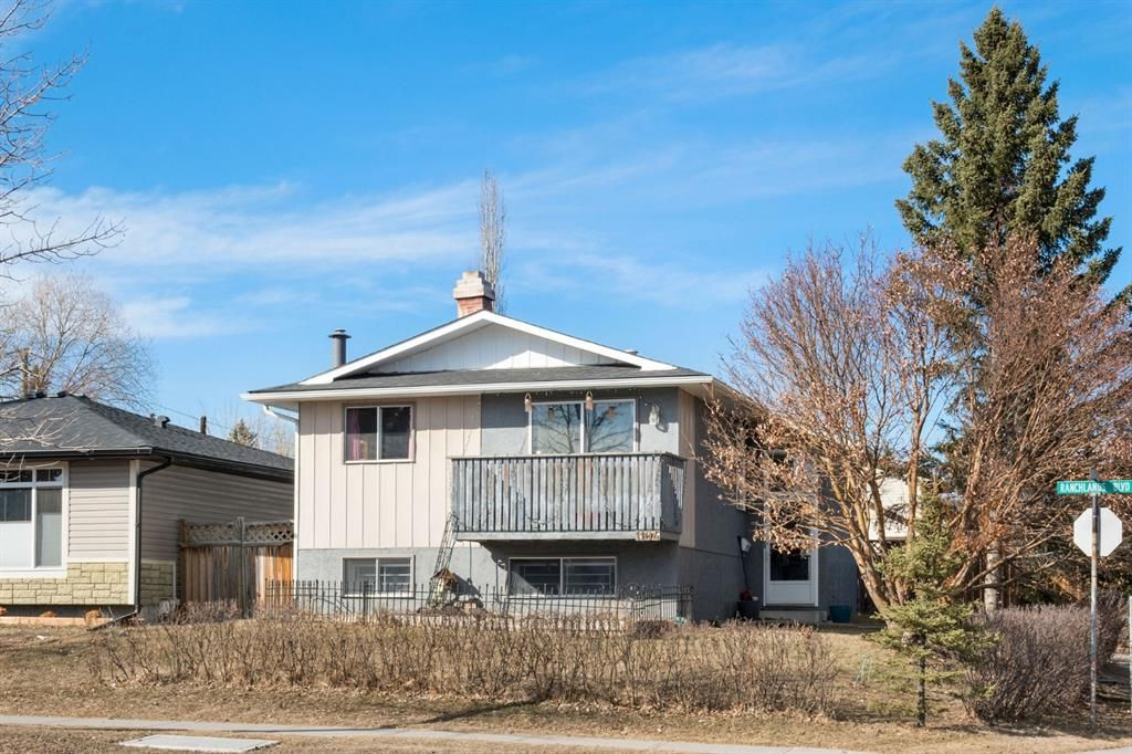 Main Photo: 1104 Ranchlands Boulevard NW in Calgary: Ranchlands Detached for sale : MLS®# A1083498