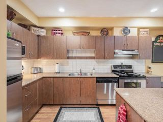 """Photo 7: 41 16789 60 Avenue in Surrey: Cloverdale BC Townhouse for sale in """"Laredo"""" (Cloverdale)  : MLS®# R2540205"""