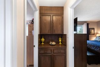 Photo 11: 7 Woodmont Rise SW in Calgary: Woodbine Detached for sale : MLS®# A1092046