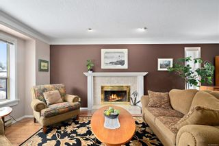 Photo 2: 3820 Cardie Crt in : SW Strawberry Vale House for sale (Saanich West)  : MLS®# 865975