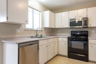 Photo 9: 910 Hemlock St in : CR Campbell River Central House for sale (Campbell River)  : MLS®# 869360