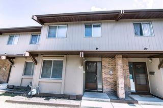 Main Photo: 29 1055 72 Avenue NW in Calgary: Huntington Hills Row/Townhouse for sale : MLS®# A1128336