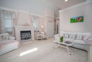 Photo 6: 15473 THRIFT Avenue: White Rock House for sale (South Surrey White Rock)  : MLS®# R2599524
