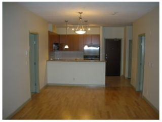Photo 3: 208 14 E ROYAL Avenue in New Westminster: Fraserview NW Condo for sale : MLS®# V1009109