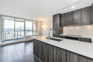 "Photo 6: 1807 668 COLUMBIA Street in New Westminster: Quay Condo for sale in ""TRAPP & HOLBROOK"" : MLS®# R2545473"