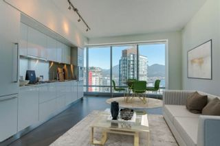 """Photo 6: 3706 1151 W GEORGIA Street in Vancouver: Coal Harbour Condo for sale in """"Trump International Hotel and Tower Vancouver"""" (Vancouver West)  : MLS®# R2562919"""